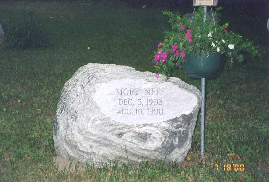 Tombstone picture of Mort Neff